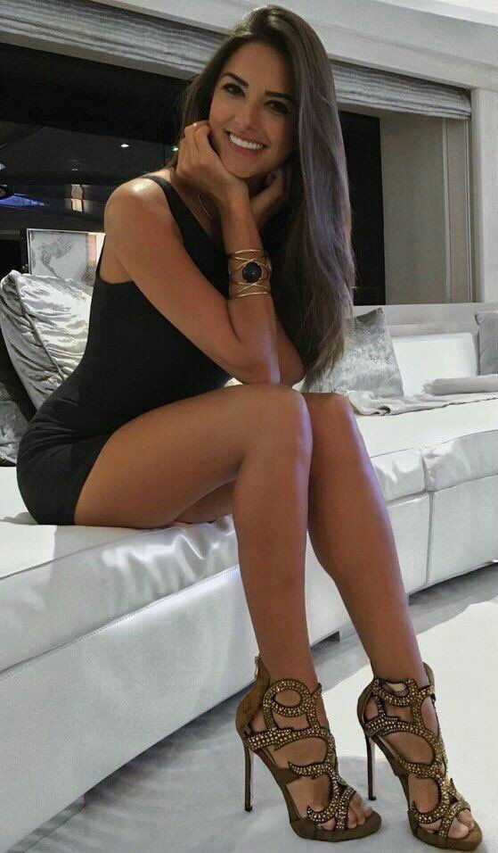 Sexy girls in sexy heels