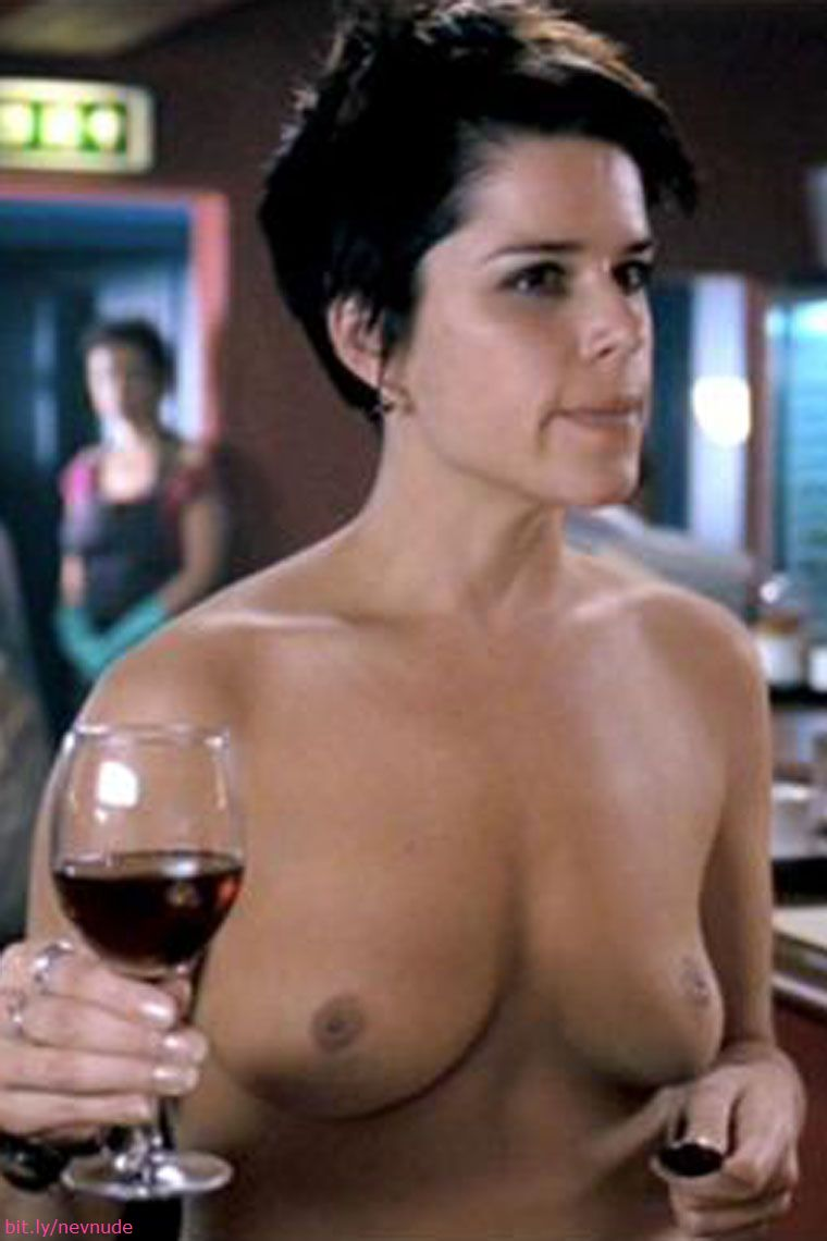 Neve campbell nude pictures