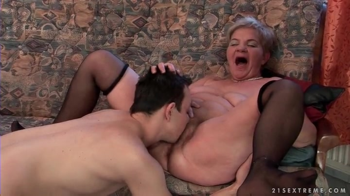 Eating granny pussy porn