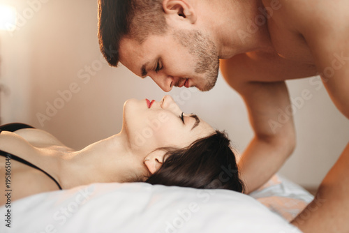 Bedsex pictures