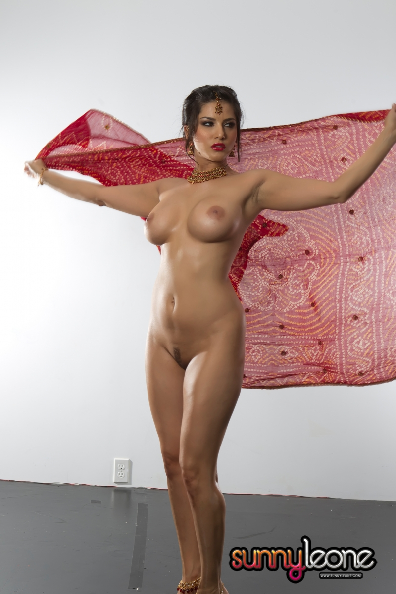 Sunny leone full naked photo