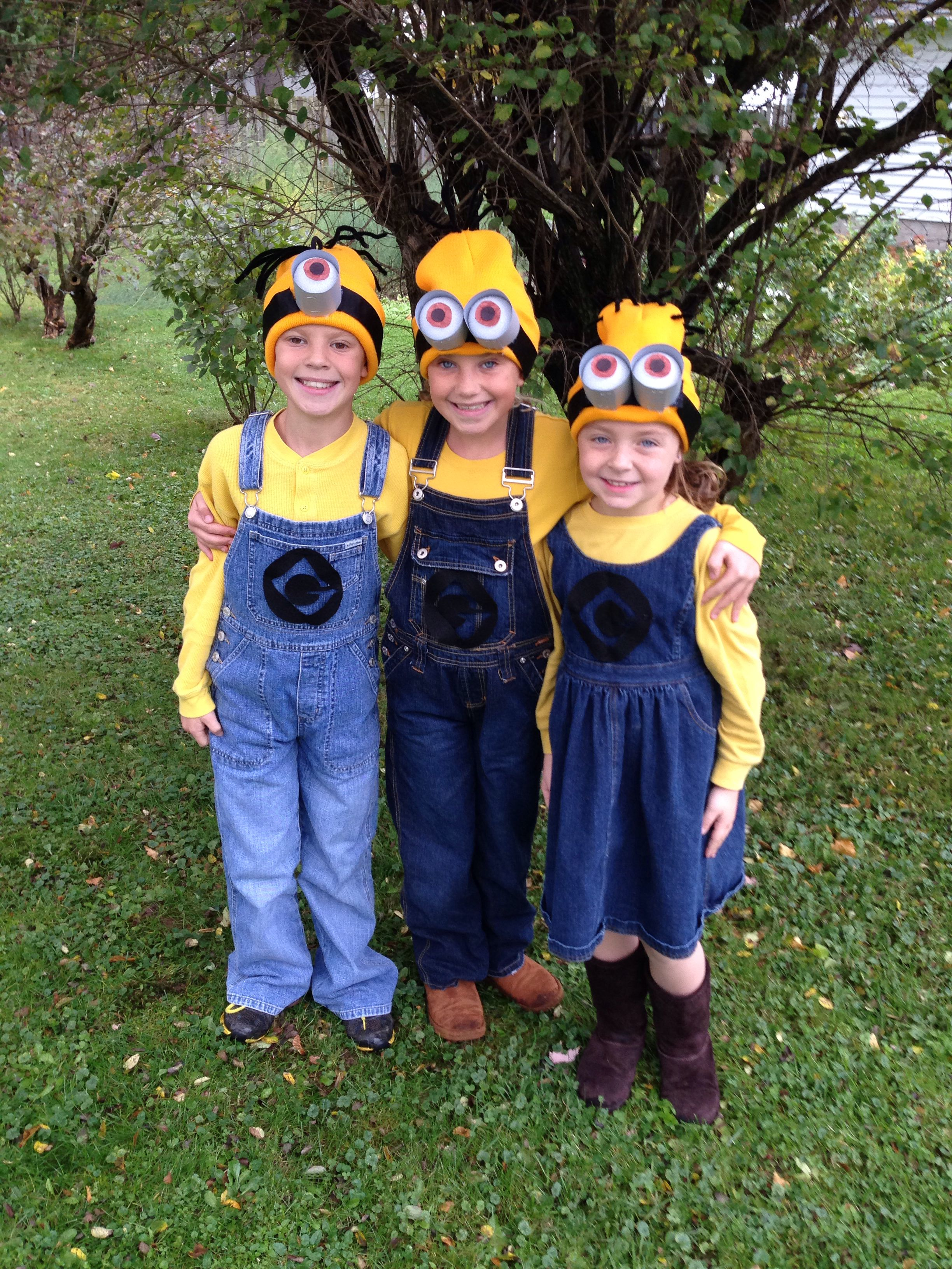 How to make a minion costume for adults