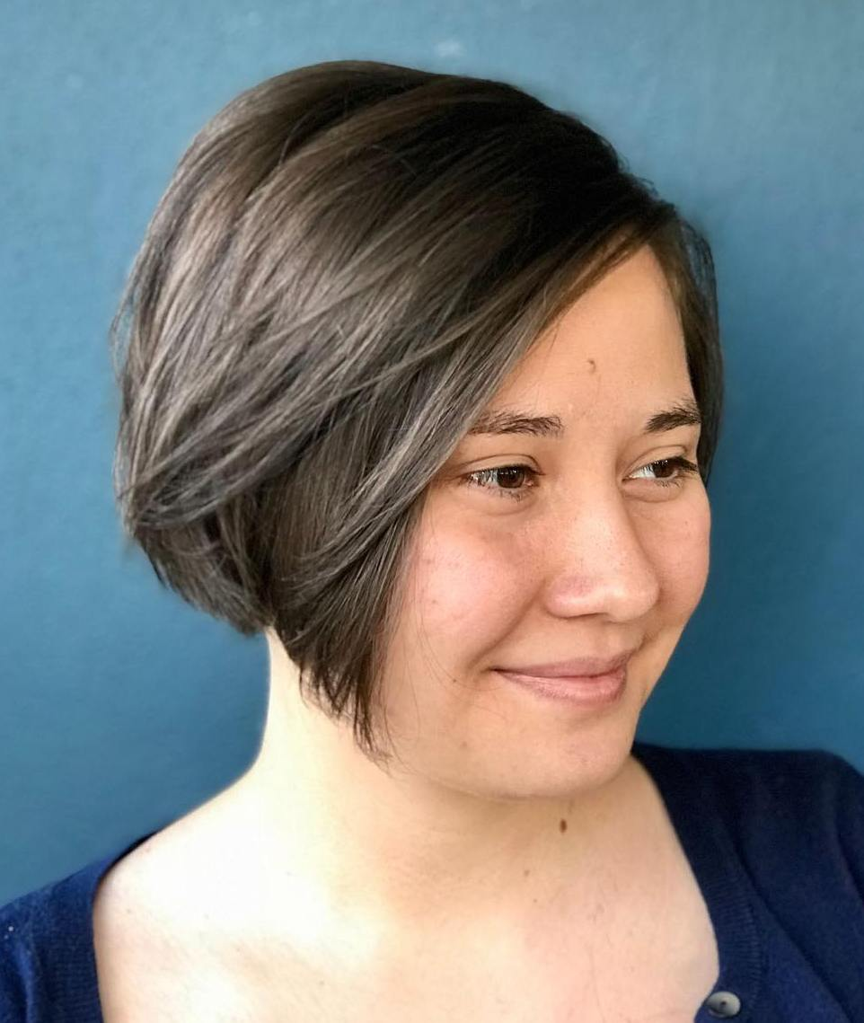 Short hairstyles for round faces front and back