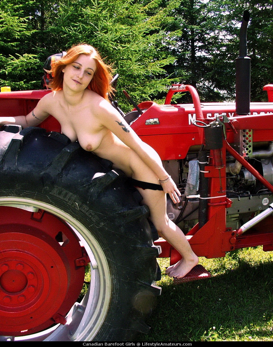 Teens sex on tractor