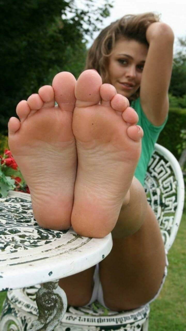 Bare foot sexy womens