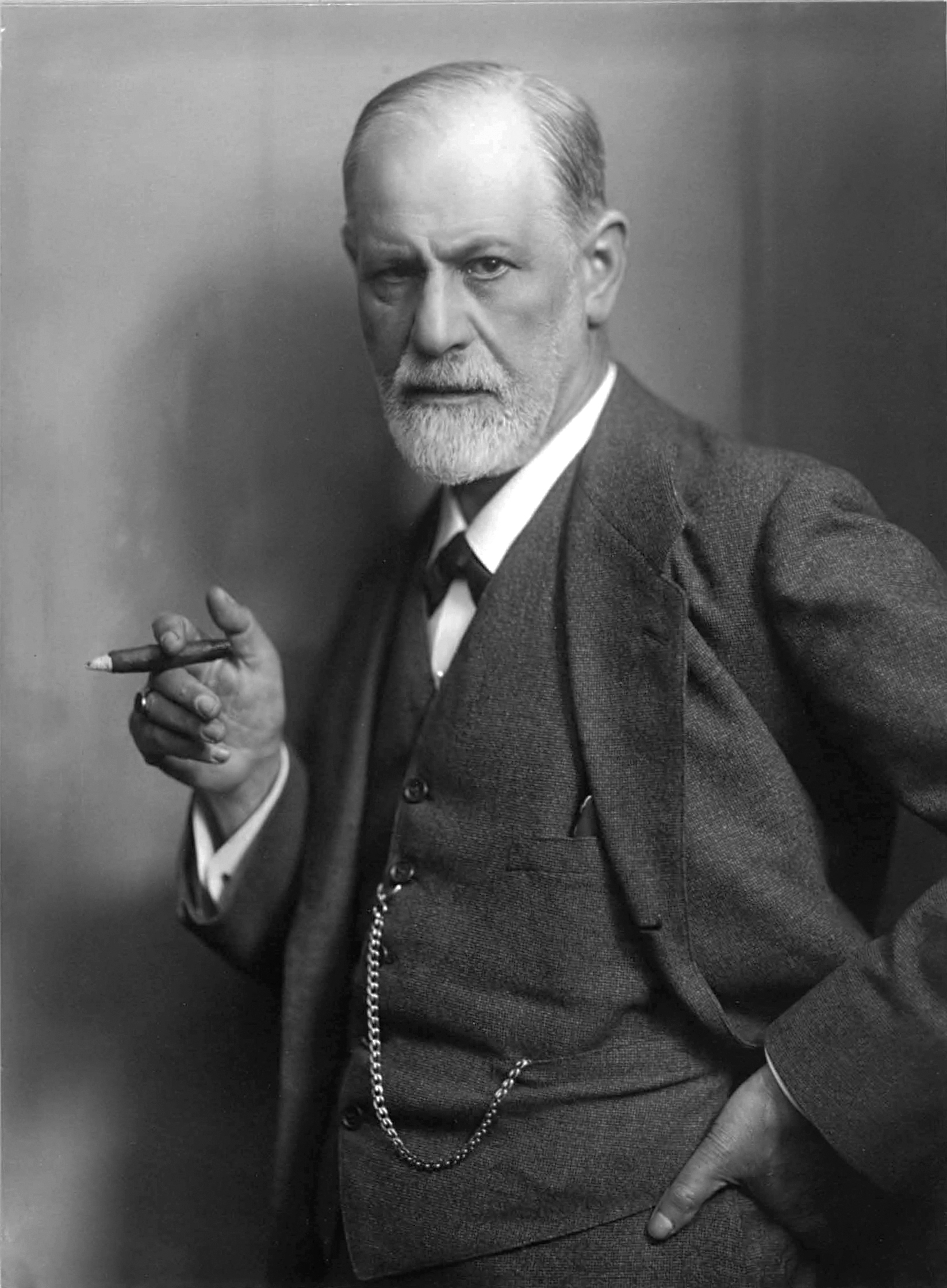 The personality theorist sigmund freud was an austrian