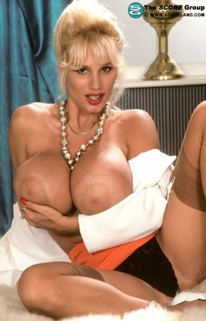 Boob lisa lipps over couch
