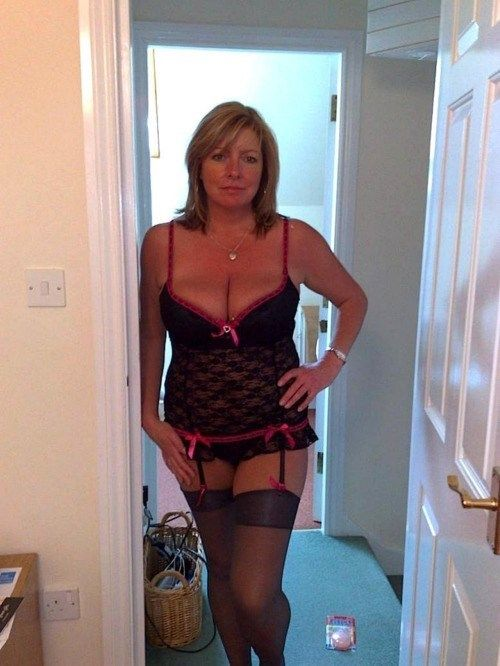 Horny mature dating