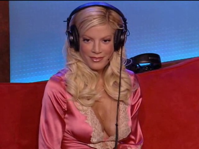 Naked pictures of tori spelling