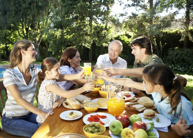 Characteristics of a healthy family relationship